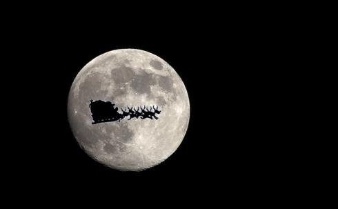 santa_moon